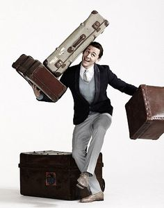 Tom Hiddleston and luggage... (Oh shit, Ashley found an artistic photo blog again... Watch out, watch out.)