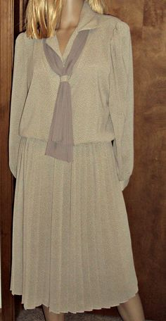 Breli Originals Dress Size M-L Vintage 1970s Womens Beige Accordion Pleated Secretary Office USA