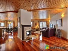 Aire ouverte de rêve à voir à Austin #DuProprio Home Decor, Decoration Home, Room Decor, Interior Design, Home Interiors, Interior Decorating