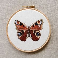 Embroidered Artworks of Fauna by Emillie Ferris