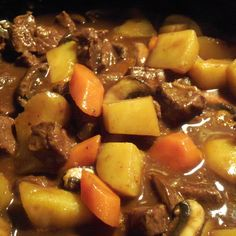 A beef stew to put some meat on your bones, with teriyaki sauce to add some zest. Beef And Ale Stew, Hearty Beef Stew, Slow Cooker Recipes, Crockpot Recipes, Slow Cooker Pressure Cooker, Slower Cooker, Vegetable Puree, Beef Dishes, Pot Roast