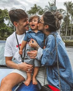 Parenting Goals, Parenting Fail, Parenting Teens, Parenting Humor, Boy Pictures, Cute Baby Pictures, Couple With Baby, Boy Girl Names, Teen Humor
