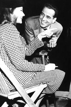 They look like they're having a great time, Lauren Bacall e Humphrey Bogart in una scena del film The Big Sleep - Il Grande Sonno 1946.