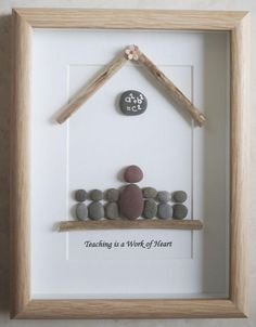 This is a beautiful small Pebble Art framed Picture of Teacher and Pupils - Teaching is a Work of Heart handmade by myself using Pebbles and Driftwood Size of Picture incl Frame : approx. 22cm x 17cm This Picture is only available as shown in Photo Thanks for looking Doris Facebook : https://facebook.com/Pebbleartbyjewlls4u Product Code: P - Red