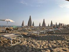 Caorle mit Kids - Kurztrip an die Adria | Gänseblümchen & Sonnenschein Hotel Europa, Am Meer, Strand, Seaside, City, Travel, Italia, Small Hotels, Too Nice