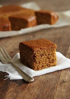 Parkin -This recipe for treacly Parkin is a northern Bonfire Night tradition and is best left for a few days in a cake tin to turn nice and sticky before eating, if you can wait that long! Bonfire Night Traditions, Bonfire Night Treats, Bonfire Food, Cake Recipes, Dessert Recipes, Desserts, Parkin Recipes, Gingerbread Cake, Pudding Cake