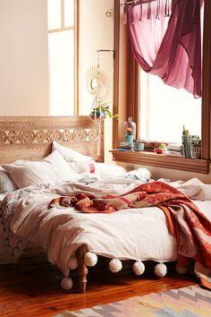 Bedroom--pretty headboard