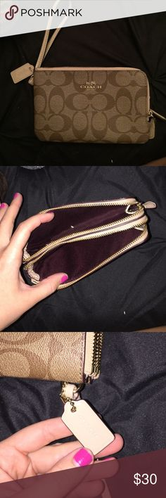 Coach wallet Great condition I've only had it a month but it doesn't match my purse. Coach Bags Wallets