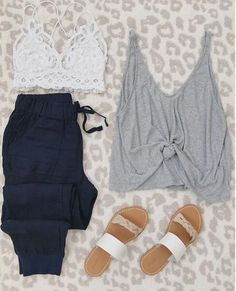 easy spring outfit Source by summerlharding outfits 2020 Spring Outfit Women, Spring Outfits, Cheap Summer Outfits, Summertime Outfits, Spring Clothes, Looks Style, My Style, Zara Outfit, Pants Outfit