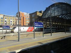 https://flic.kr/p/xDoxLf | London Kings Cross Platform.
