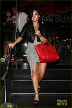 Demi Lovato in Gucci Leila sandals, Celine Luggage. Cuerpo Demi Lovato, Demi Lovato Body, Demi Lovato Style, Punk Outfits, Curvy Outfits, Katy Perry, Celebrity Gossip, Celebrity Style, Celebrity News