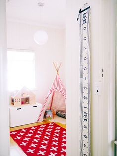 Eva & Owen's Shared Bedroom & Playroom Beautiful Home Designs, Cool House Designs, Beautiful Kids, Childrens Bedroom Decor, Kids Bedroom, Kids Rooms, Boy And Girl Shared Bedroom, Exhibition Room, White Nursery