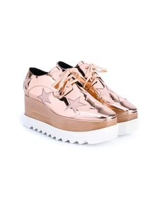 Shop Women's Stella McCartney Wedge pumps on Lyst. Track over 237 Stella McCartney Wedge pumps for stock and sale updates. Stella Mccartney Schuhe, Stella Mccartney Shoes, Chunky Black Shoes, Cheap Womens Shoes, Metallic Shoes, Metallic Pink, Star Shoes, Latest Shoe Trends, Lace Up Shoes