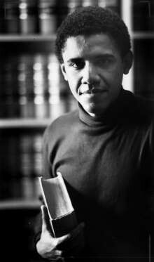 Barack Obama at Harvard Law School in 1990 --- First black person elected to be the President of the Harvard Law School . Michelle Obama, Barack Obama, Black Presidents, American Presidents, Greatest Presidents, Presidente Obama, First Black President, By Any Means Necessary, Harvard Law