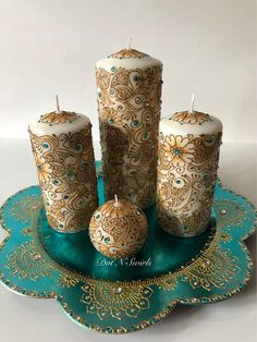 4 unscented candles with charger plate decorated with paste/henna candles/wedding centerpiece/henna paisley/eid decor/indian decor Henna Candles, Candle Wedding Centerpieces, Candle Art, Wedding Henna, Wedding Plates, Copper Material, Diwali Decorations, Gold Paint, Henna Designs