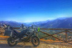 La R1200 Adventure de Alfagon, en Sierra de cazorla, Jaen. ¿Nos muestras la tuya en el foro? http://ow.ly/ku7N3074czV #bmwmotos #bmwmotorrad