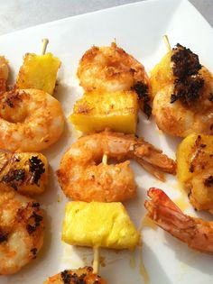 Spicy Thai Curry Shrimp Skewers (I left out the Thai chili peppers). I use a stove-top or George Foreman grill for quick and easy. Grilling Recipes, Fish Recipes, Seafood Recipes, Cooking Recipes, Wheat Free Recipes, Low Carb Recipes, Healthy Recipes, Eat Healthy, Coconut Curry Shrimp