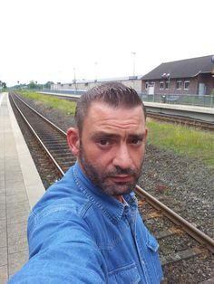 Erwin Lennartz als Verbrecher auf der Flucht