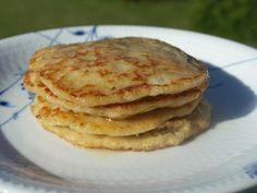 Vi elsker vel alle sammen pandekager, men denne version er lavet ud af havregryn og det gør dem bestemt ikke dårligere.