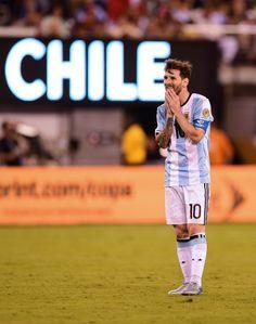 """Messi enlouquece narrador chileno  ao errar: """"Os grandes também falham"""" #sportv"""