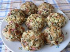 Knedlíky od Evy Dumplings, Muffin, Food And Drink, Bread, Breakfast, Ethnic Recipes, Nova, Cactus, Morning Coffee