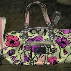 Coach Poppy bag Used bag in good condition. Has some minor blemishes on/near bottom as well as handles(pictured) I can send additional pictures upon request. No rips or tears. Bag gets a lot of compliments in public Coach Bags Shoulder Bags