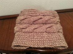 編み物の季節到来♡ぐるっと輪に編んでサッとかぶれる、あったかスヌードは秋冬ニット小物の必需品!輪針・棒針で編むスヌードの編み方・編み図をご紹介します。