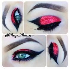Red glitter eye make-up Show Makeup, Eye Makeup, Makeup Art, Beauty Makeup, Maquillage Halloween, Halloween Makeup, Color Guard Makeup, Red Eyeshadow, Red Eyeliner