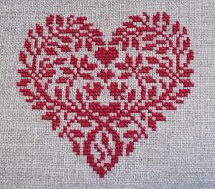 embroidered heart                                                                                                                                                                                 Mehr