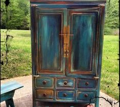 50 Unique and Antic Distressed Furniture Ideas - hoomdesign Refurbished Furniture, Paint Furniture, Repurposed Furniture, Furniture Projects, Furniture Makeover, Unicorn Spit Stain, Unicorn Painting, Do It Yourself Furniture, Coastal Decor