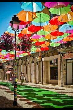 Umbrella Street in Agueda, Portugal-so cool! ~one of many reason why I want to see Portugal someday. Places Around The World, The Places Youll Go, Places To See, Around The Worlds, Umbrella Street, Umbrella Art, Colorful Umbrellas, Paper Umbrellas, Shade Umbrellas