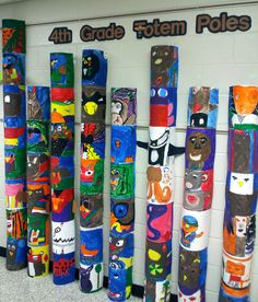 Art with Ms. Gram: Totem Poles – Brittney Bowers Art with Ms. Gram: Totem Poles Art with Ms. Arts And Crafts Storage, Arts And Crafts For Teens, Art And Craft Videos, Art For Kids, Arts And Crafts Movement, Totem Pole Art, Art Indien, Native American Art, American History