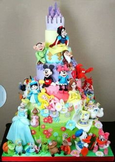 Disney Characters Cake ... Busy busy busy FROM: http://media-cache-ec0.pinimg.com/originals/6e/ff/81/6eff81972997b7c25a97db4c71ae6c00.jpg