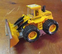 BENCHMARK BUBBA'S EXCAVATION REDEMPTION GAME BULLDOZER / PUSHER #4 ASSY. GUC  #BENCHMARK