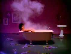 Prince - When Doves Cry.