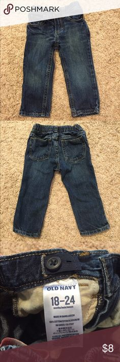 Old Navy Boys Adjustable Waist Skinny Jeans 18-24M These jeans have no stains or holes and come from a pet free/smoke free home. Old Navy Bottoms Jeans