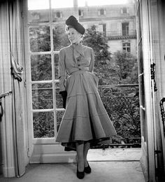 Modèle de Christian Dior. Paris, août 1947.     RV-733280
