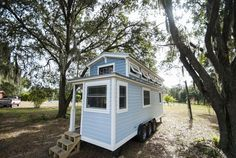 Luxury Davenport Tiny House (270 Sq Ft) - TINY HOUSE TOWN