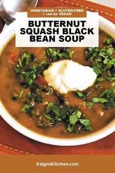 Spicy Recipes, Low Carb Recipes, Black Bean Soup, South Beach Diet, Vegetarian Soup, Winter Recipes, Winter Food, Sour Cream