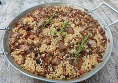 TIBERIS : ~ Arroz con carne y rebozuelos ~ Arròs amb carn i ... Menorca, Macaroni And Cheese, Rice, Ethnic Recipes, Food, Soup Bowls, Vegetables, Ethnic Food, Pork Ribs