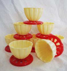 Vintage Plastic Ice Cream Bowls Atomic Red & by soldiersuzanne 60s Kitchen, Kitchen Dishes, Ice Cream Bowl, Cream Bowls, Bernard Edwards, Old Fashioned Kitchen, Vintage Kitchenware, 1950s, Goodies