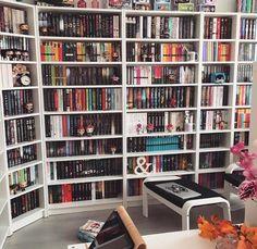 Bookshelf Inspiration, Library Inspiration, Home Library Design, Dream Library, Library Bookshelves, Bookcases, Dream Rooms, Dream Bedroom, Deco Gamer