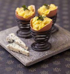 Oeufs brouillés au roquefort en coquille - menu de Pâques - les meilleures recettes de cuisine dÔdélices