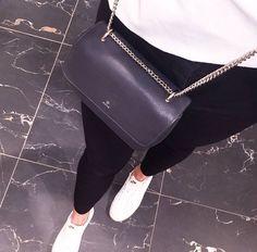 3c400cb27847 Tasker fra Adax - Lædertasker der afspejler din personlighed. The beautiful  Iben crossover bag ...
