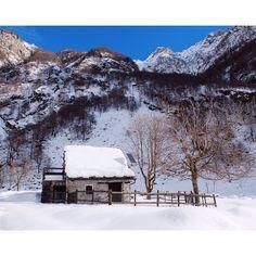 Verzasca Stone Cabin, Switzerland, Hiking, Outdoor, Instagram, Walks, Outdoors, Trekking, Outdoor Living
