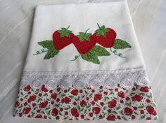 Panos de Prato Artesanais - Paty ShibuyaPaty Shibuya Diy Embroidery, Embroidery Patterns, Machine Embroidery, Patchwork Baby, Crazy Patchwork, Quilt Square Patterns, Square Quilt, Sewing Crafts, Sewing Projects