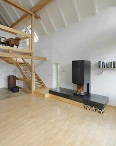 Jürgen Rajh, Fireplace, steel,Standort: Admont (Österreich) Materialien:Stahl auf Holz Umsetzung:2013, Paul Ott fotografiert