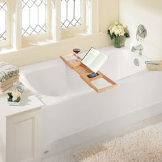 Expandable Deluxe Bamboo Bathtub Caddy with a Bar #BambooBathMakeOver