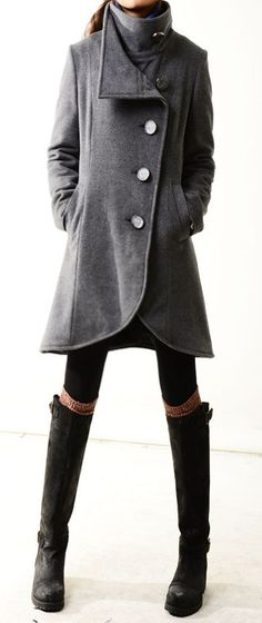 Comfy + stylish in grey cashmere coat & boots Fashion Niños, Fashion Outfits, Looks Style, Style Me, Cashmere Coat, Mode Style, Autumn Winter Fashion, Winter Style, Pulls