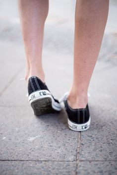 ethical fashion outfit - fair fashion look: vegan and fair trade alternatives to converse - Ethletic Shoes!